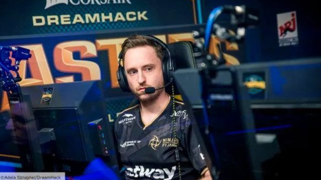 Dignitas benches GeT_RiGhT and Xizt ahead of expected transfers